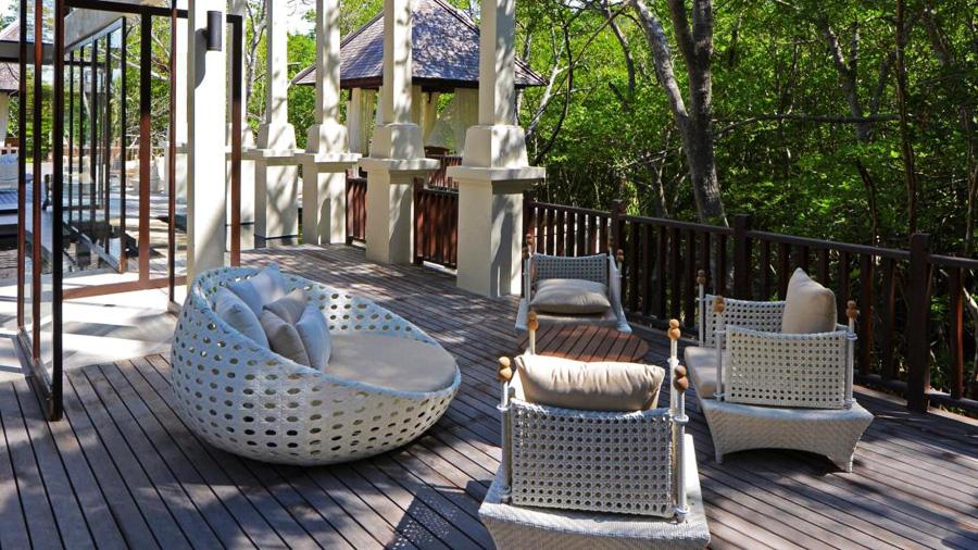 Gaya Island Resort - relax area