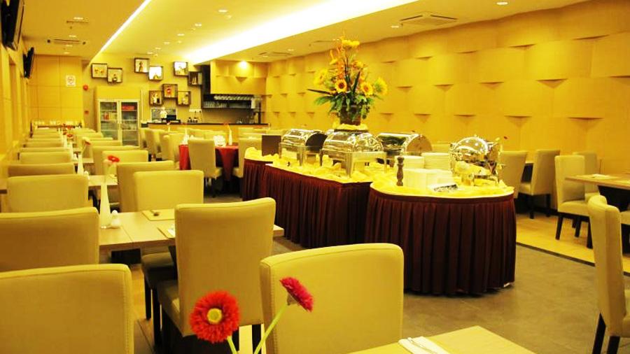 Lintas View Hotel - Restaurant