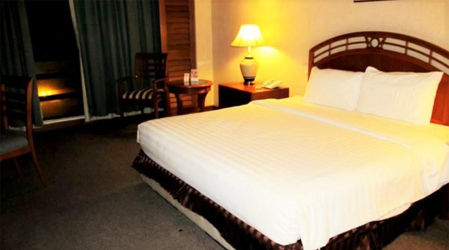 Sabah Oriental Hotel Bedroom