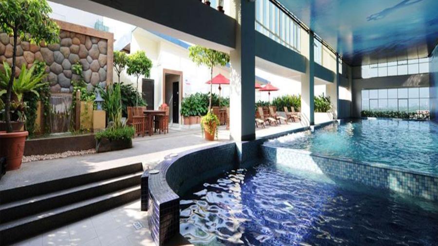Grand Borneo Hotel-swimming-pool
