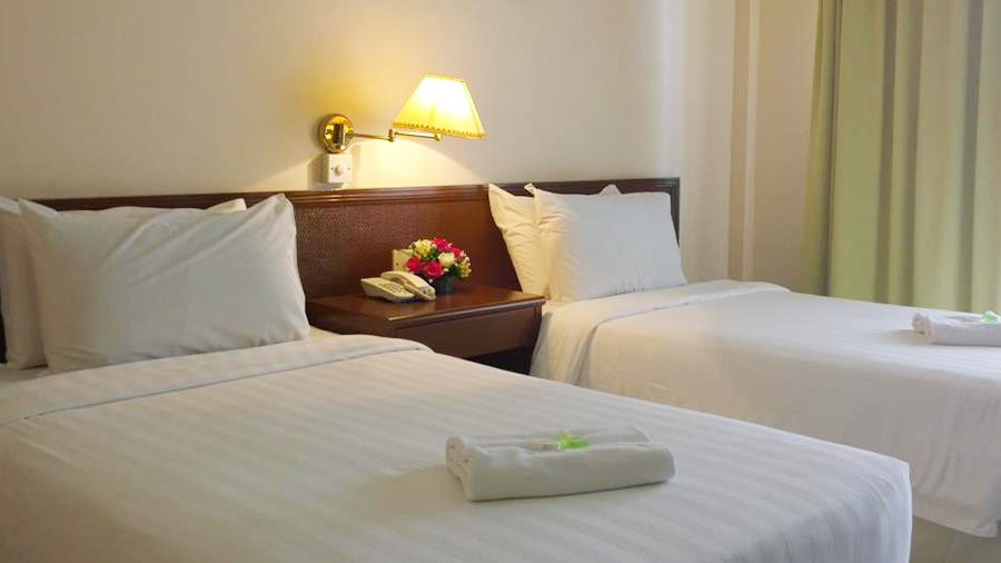 Borneo Paradise beach Hotel- double bed