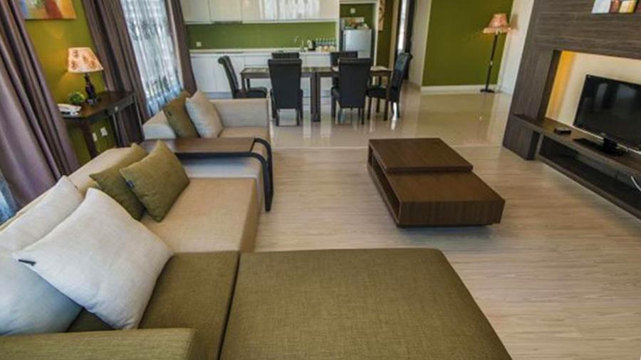Borneo Vista Suites Hotel - living room