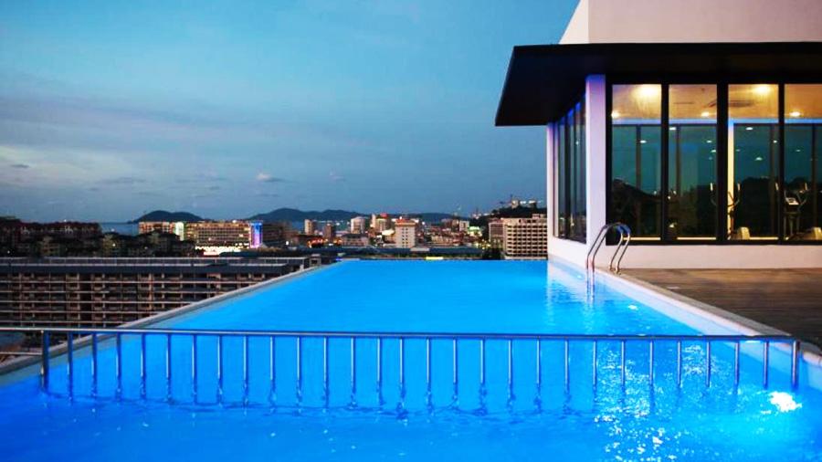 Boneo Innkeeper-swimming pool