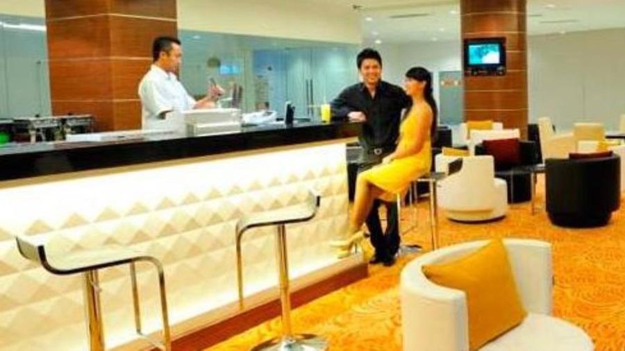 Courtyard Hotel-restaurant