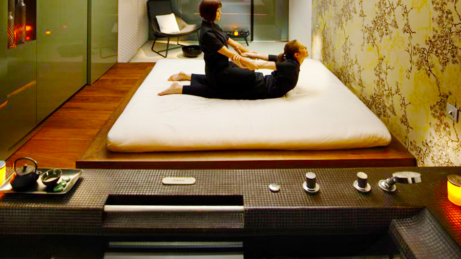 Mandarin Hotel-massage room