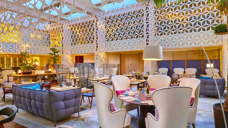 Mandarin Hotel-restaurant dining area
